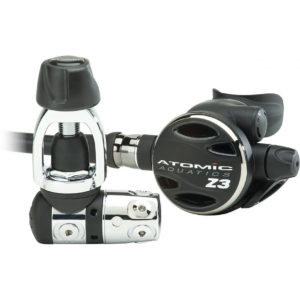 atomic aquatics z3 regulator with swivel second stage all black with chrome plated first stage