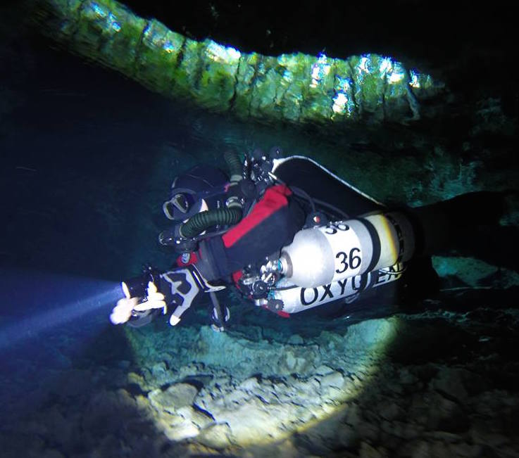Matt Cave Diving in Mexico with the White Arrow Explorer CCR Rebreather