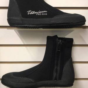 Pro Dive Titanium 7mm Boots with zipper feature a moulded toe and heal cap with a standard zipper
