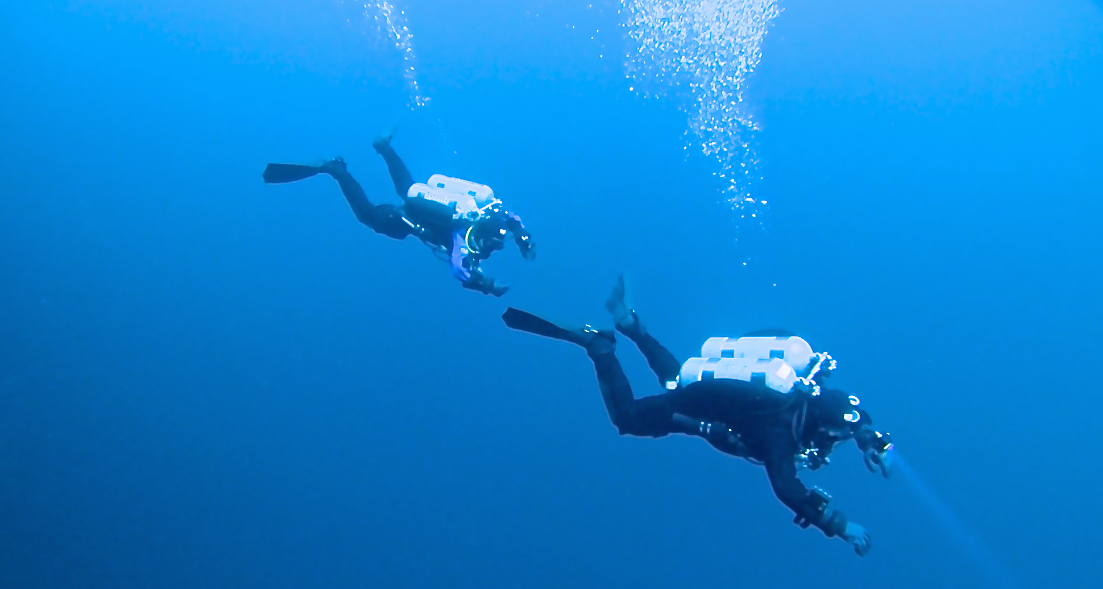 Technical 1 Divers doing a Helitrox Dive on Dufferin Wall in Tobermory, Ontario