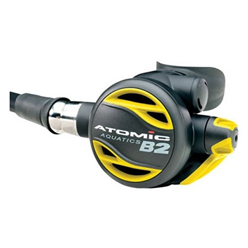 atomic aquatics b2 octopus a yellow second stage with a swivel on the hose