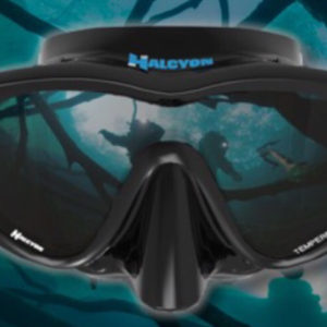 halcyon h view mask black skirt, ultra clear lenses with a slightly angled lens downward for increased vision