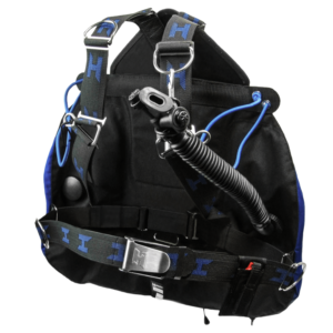 Halcyon Zero Gravity Sidemount BCD harness with 2 shoulder d-rings made of stainless steel and blue shockcord loops to secure the tanks under your arms, a low pressure inflator, small compact wing and stainless steel mounting loops on the bottom of the harness